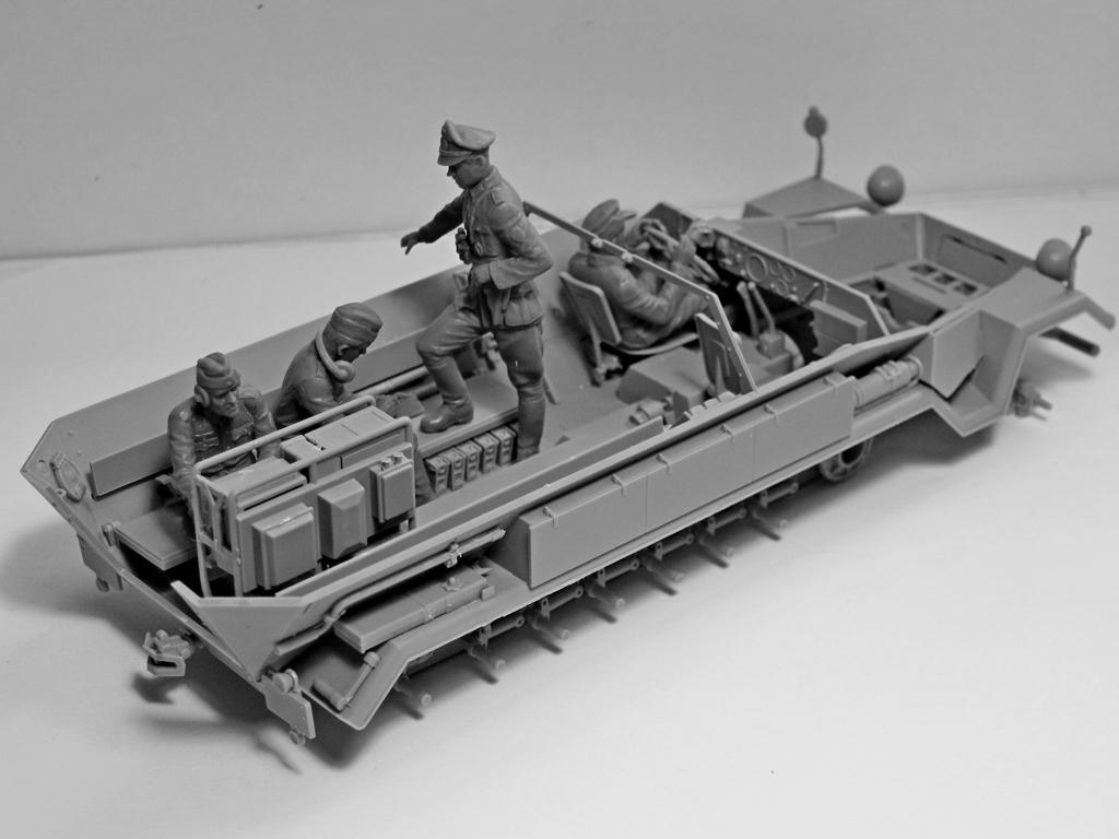 Sd.Kfz.251 / 6 Ausf.A con tripulación (Vista 7)