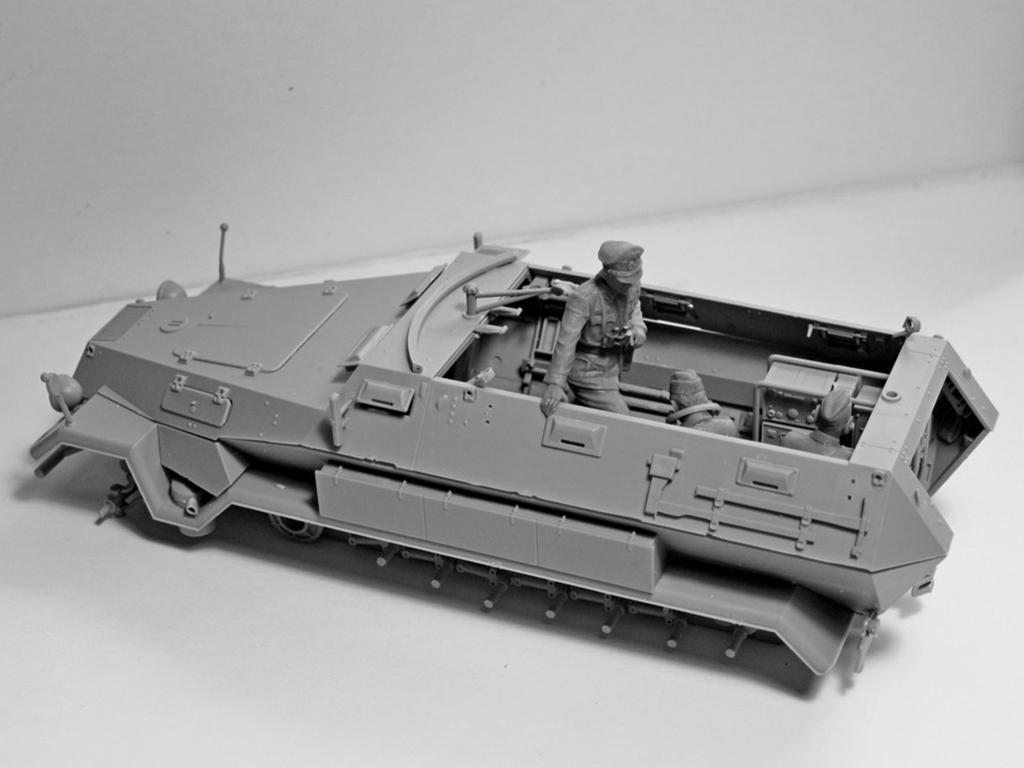 Sd.Kfz.251 / 6 Ausf.A con tripulación (Vista 8)