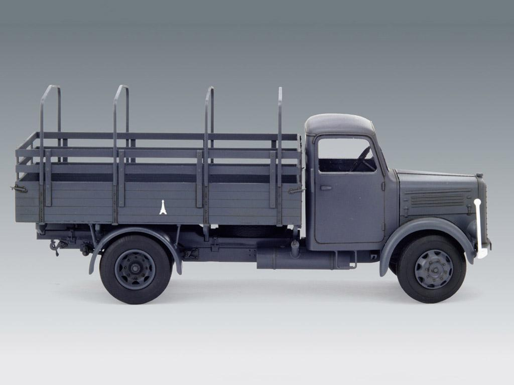 KHD S3000, WWII German Army Truck (Vista 3)