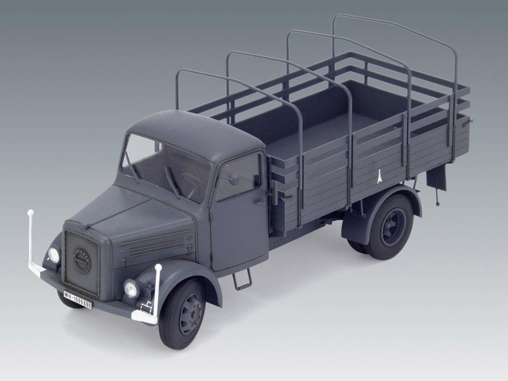 KHD S3000, WWII German Army Truck (Vista 6)