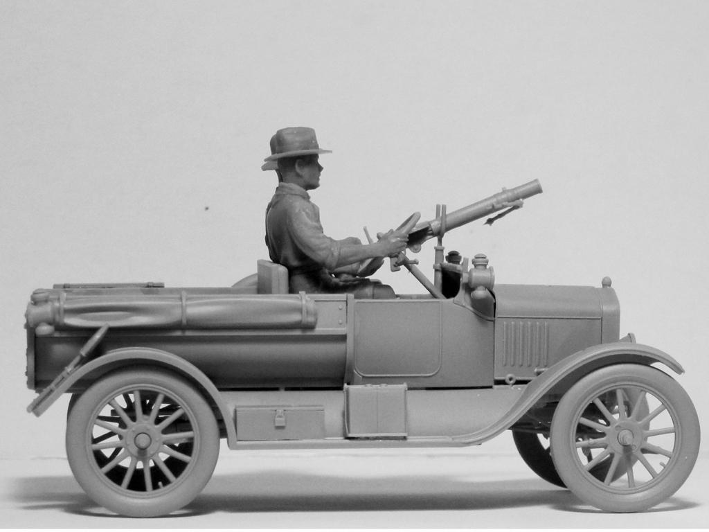 Model T 1917 LCP with ANZAC Crew (Vista 6)