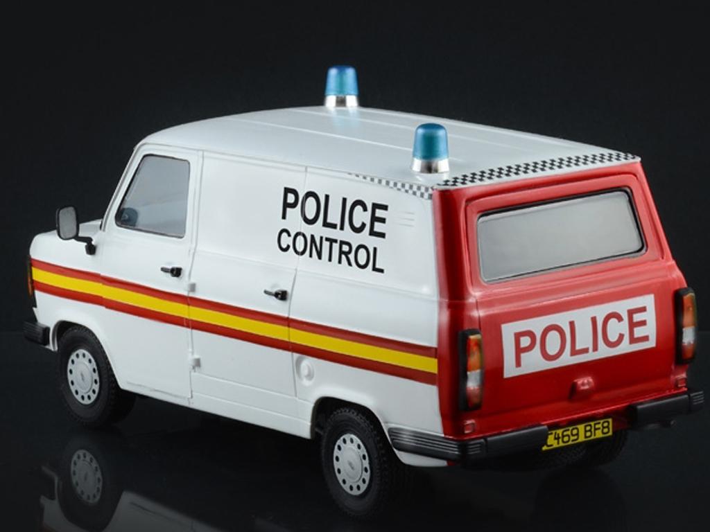 Ford Transit UK Police  (Vista 3)