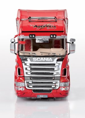 Scania R560 V8 Highline  Red Griffin  (Vista 3)