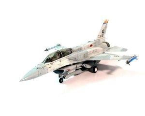 F-16F UAE  (Vista 2)