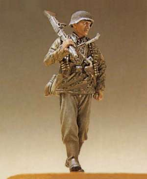 Walking SS Infantry MG Gunner  (Vista 1)