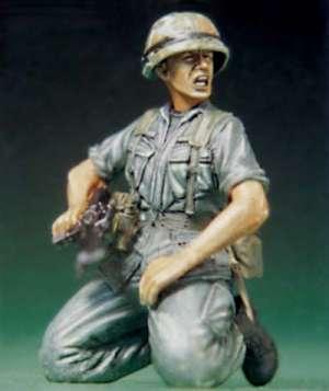 US Soldier at Vietnam War-Shouting  (Vista 1)