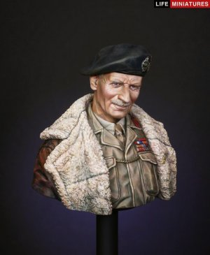 B.L. Montgomery, General, C-in-C, 21st A  (Vista 2)