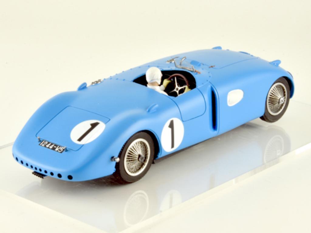 Bugatti 57C - n.1 Winner Le Mans 1939 (Vista 10)