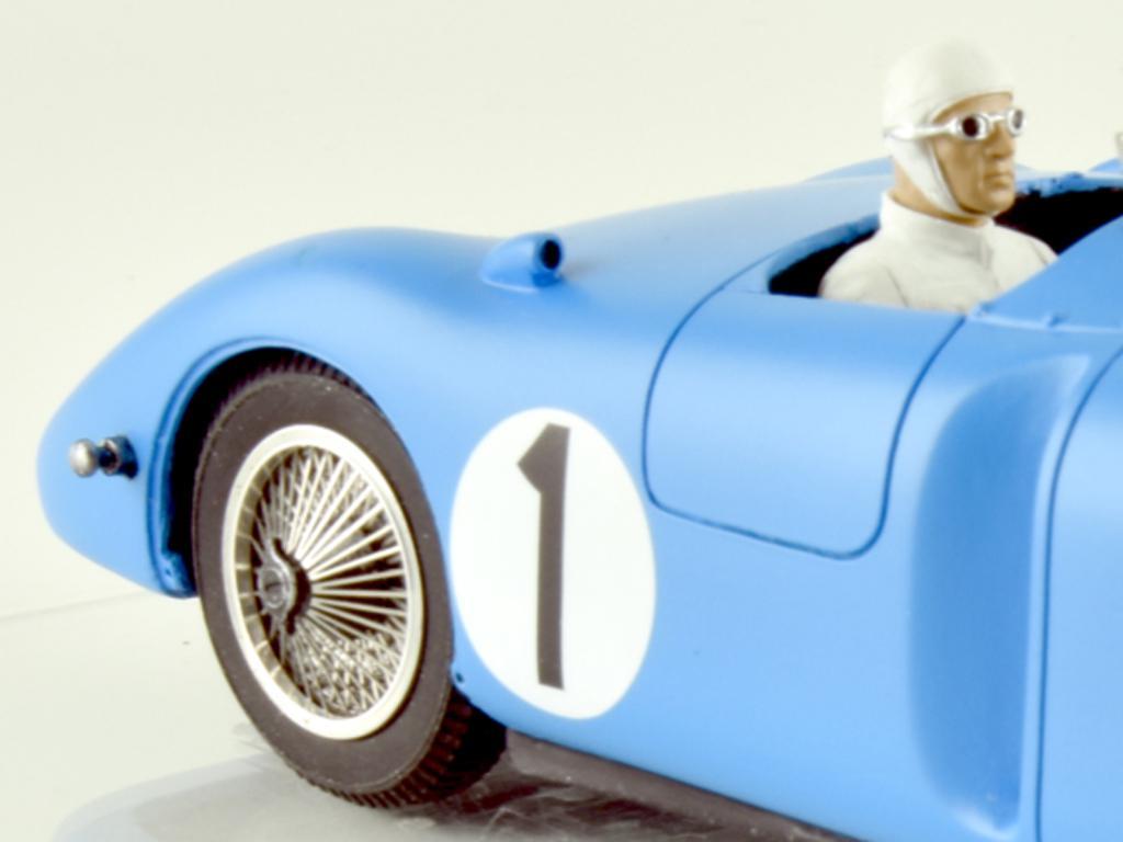 Bugatti 57C - n.1 Winner Le Mans 1939 (Vista 11)