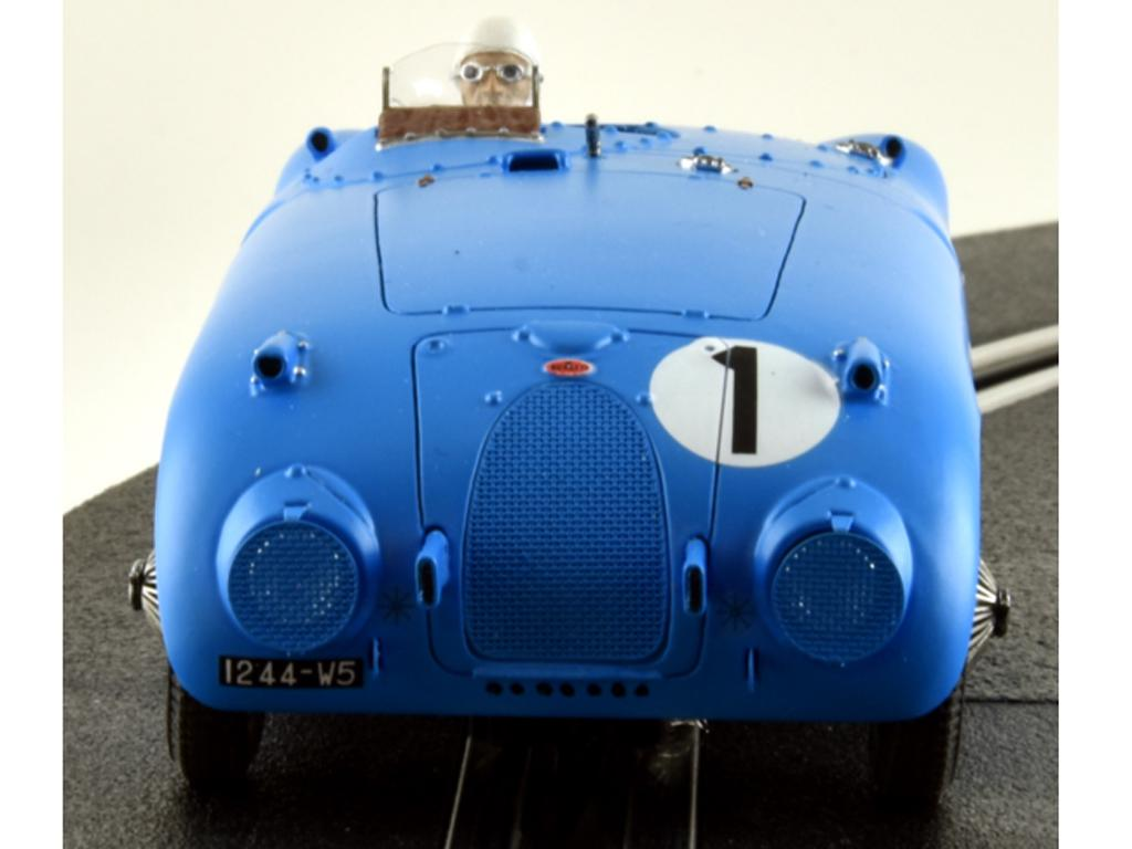 Bugatti 57C - n.1 Winner Le Mans 1939 (Vista 6)