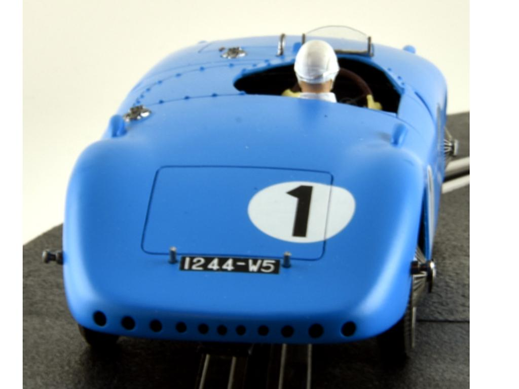 Bugatti 57C - n.1 Winner Le Mans 1939 (Vista 7)
