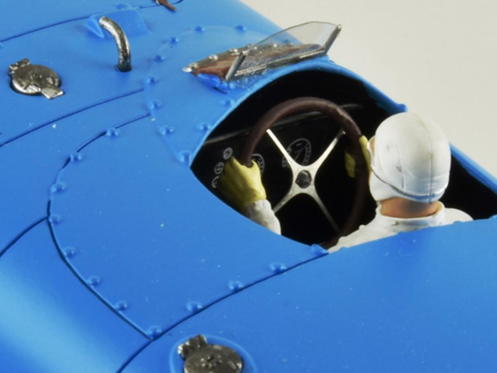 Bugatti 57C - n.1 Winner Le Mans 1939 (Vista 8)