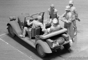 Type 170 V, Kübelwagen w/German Staff  (Vista 3)