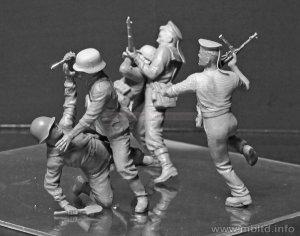 Marines rusos y soldados Alemanes cuerpo  (Vista 3)