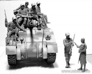US Paratroopers & British Tankman, Franc  (Vista 3)