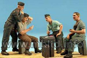 Tanquistas Alemanes descansando  (Vista 2)