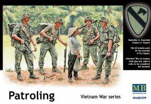 Patroling. Vietnam War series - Ref.: MBOX-3599