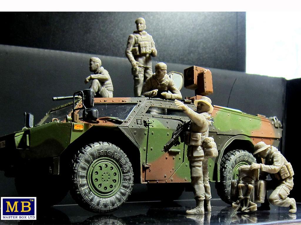 Soldados Alemanes Modernos (Vista 4)