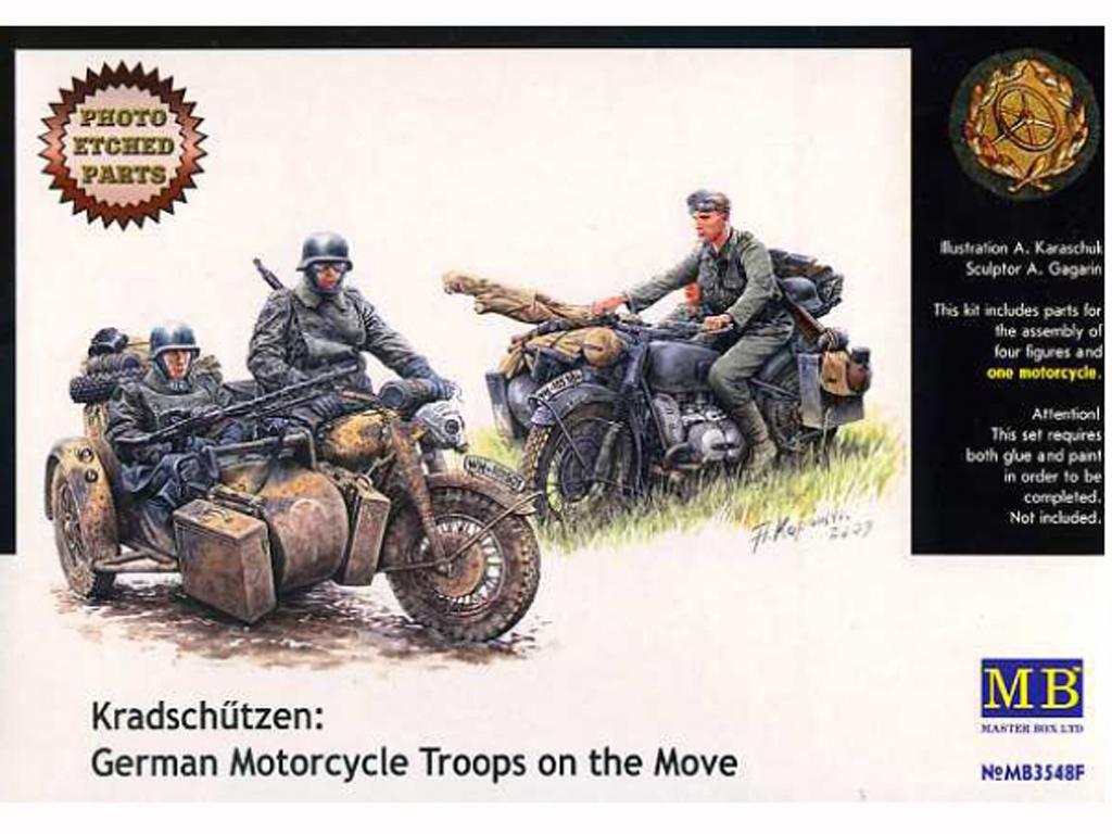 Motoristas alemanes 4 figuras y moto (Vista 1)