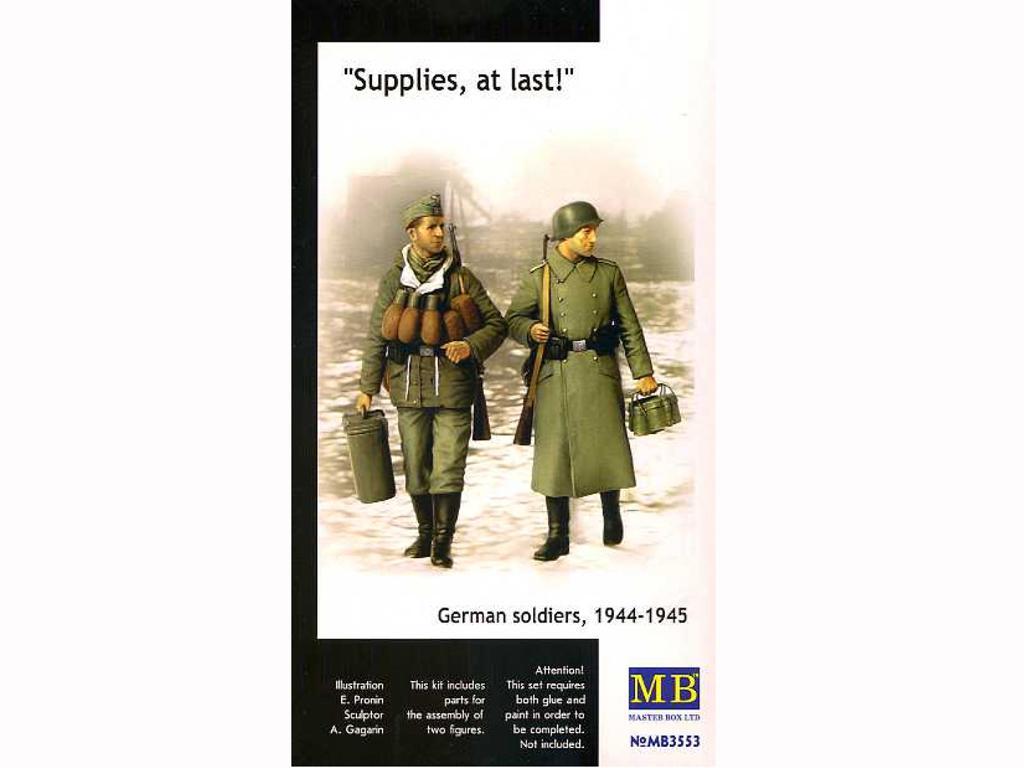 Soldados alemanes con raciones de combate (Vista 1)