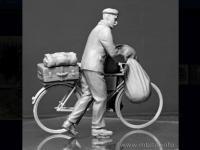 Civil Europeo en Bicicleta 1945  (Vista 8)
