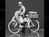 Civil Europeo en Bicicleta 1945  (Vista 12)