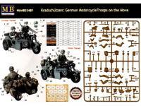 Motoristas alemanes 4 figuras y moto (Vista 13)