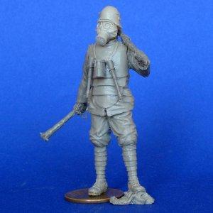 Soldado Aleman con Mascara Gas  (Vista 1)