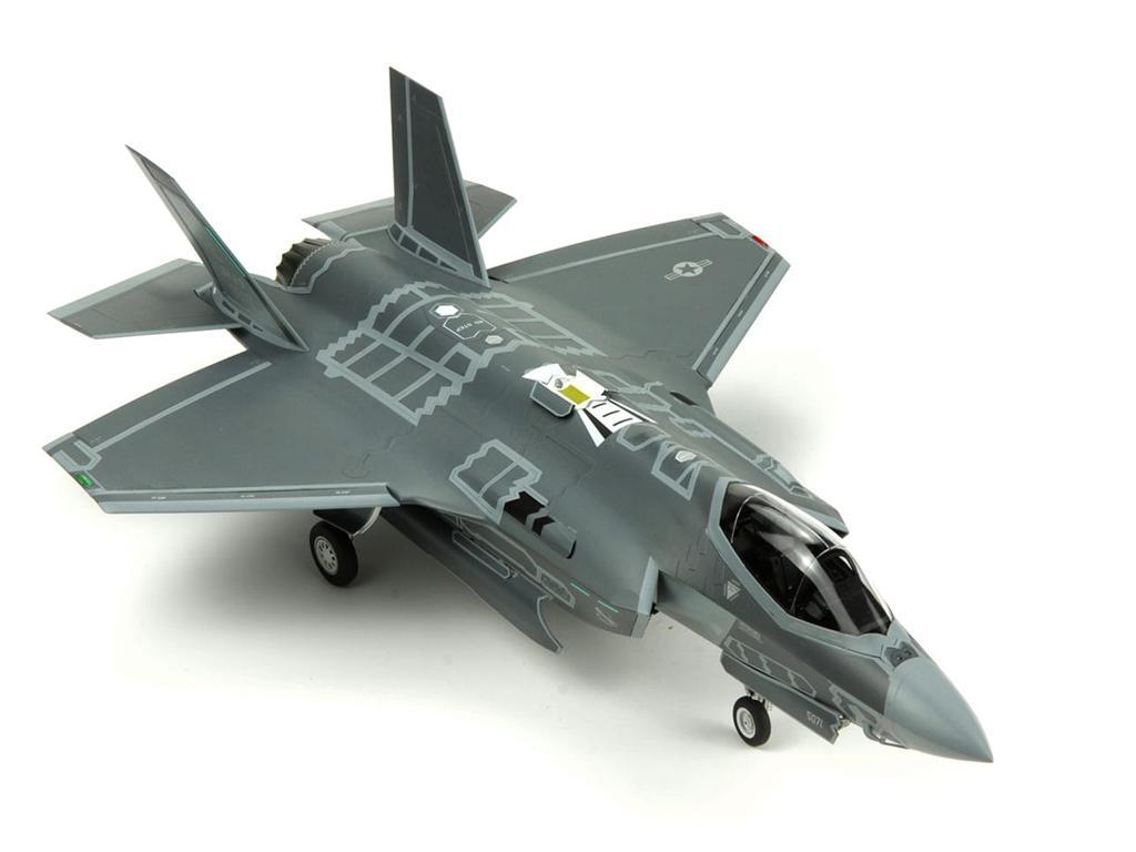 Lockheed Martin F-35A Lightning II Fight (Vista 2)
