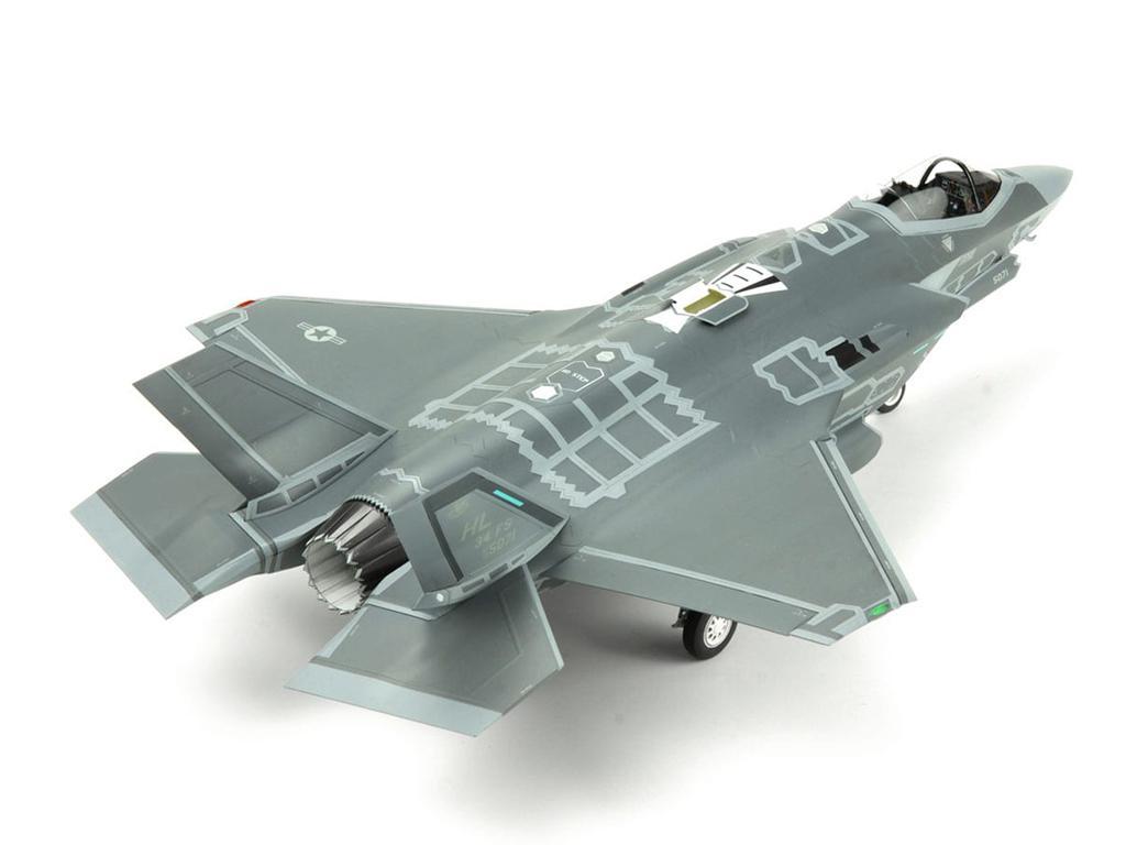 Lockheed Martin F-35A Lightning II Fight (Vista 7)