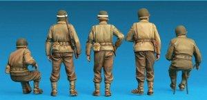 Dotación Jeep USA y policía militar  (Vista 3)