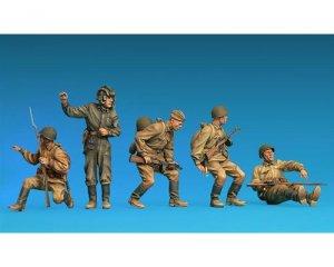 Soldados Sovieticos descansando  (Vista 2)