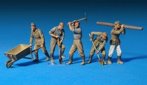 Soldados Alemanes trabajando   (Vista 2)