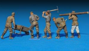 Soldados Alemanes trabajando   (Vista 3)