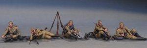 Soviet Soldiers Tanking a Break  (Vista 5)