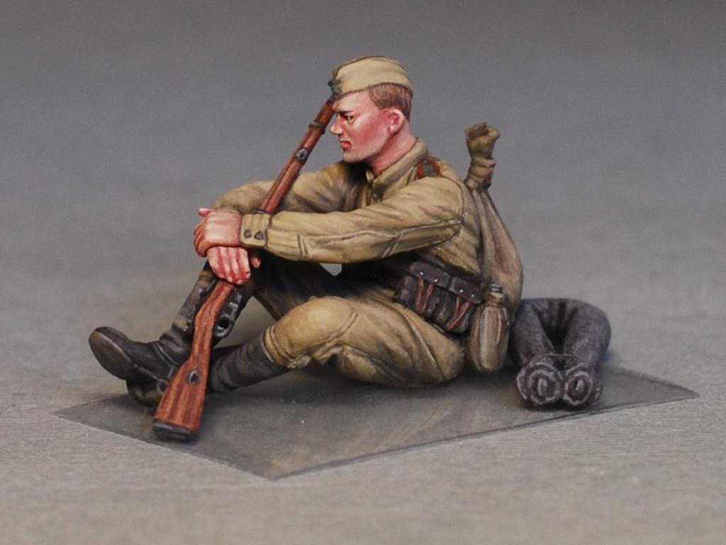 Soldados soviéticos haciendo una pausa (Vista 10)
