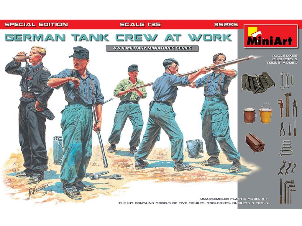 German Tank Crew at Work (Vista 1)