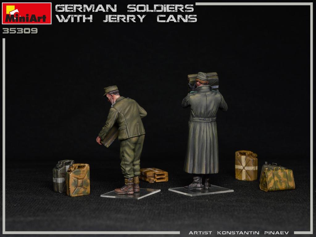 Soldados Alemanes con Jerry Cans (Vista 4)