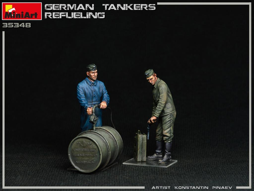 Tanquistas Alemanes Repostando (Vista 3)