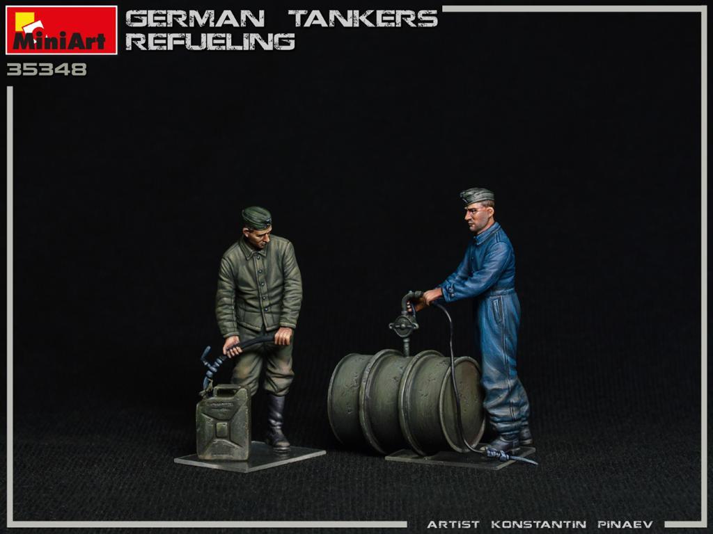 Tanquistas Alemanes Repostando (Vista 4)