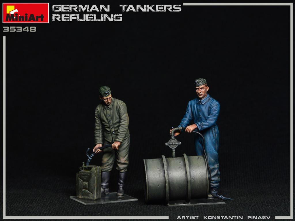 Tanquistas Alemanes Repostando (Vista 5)