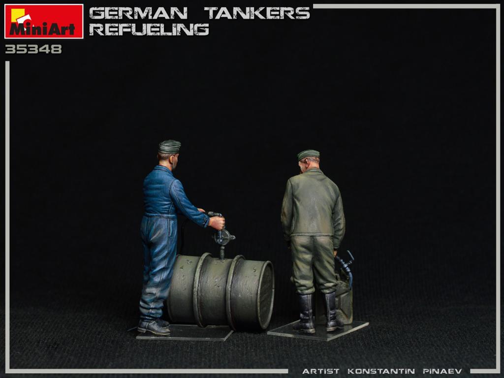 Tanquistas Alemanes Repostando (Vista 6)