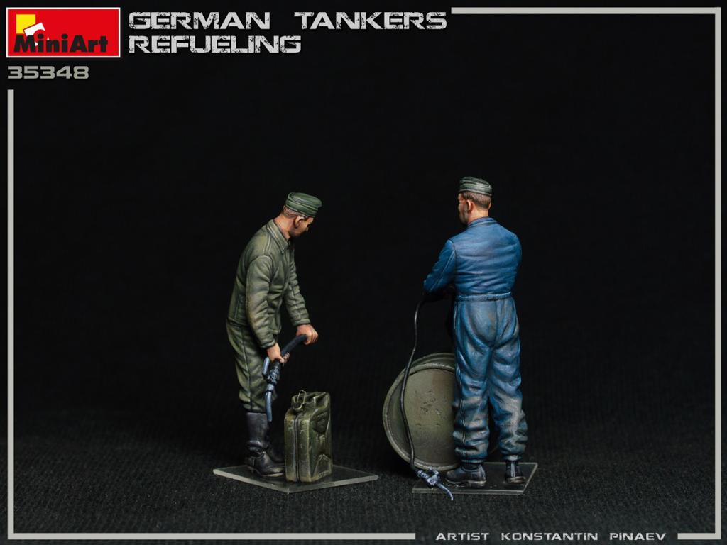 Tanquistas Alemanes Repostando (Vista 7)