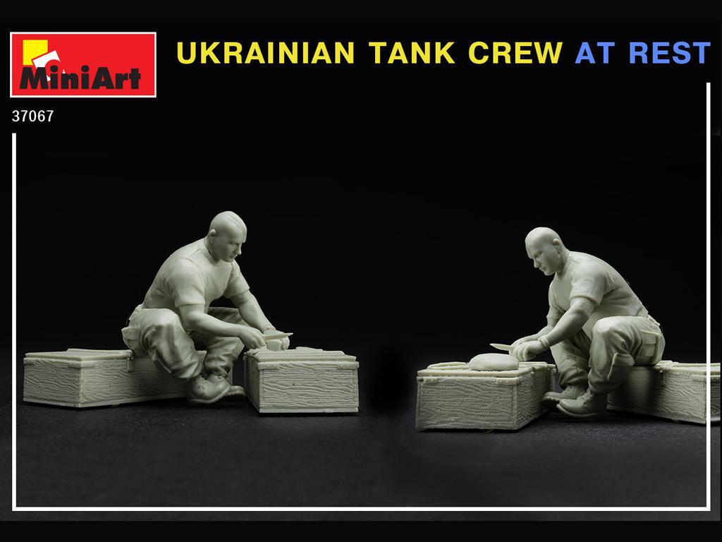 Tanquistas Ucranianos descansando (Vista 2)