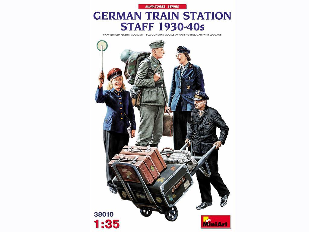Personal de la Estación de Tren Alemana 1930-40 (Vista 1)