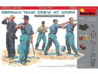 German Tank Crew at Work (Vista 4)