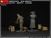 Soldados Alemanes con Jerry Cans (Vista 10)