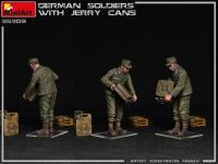 Soldados Alemanes con Jerry Cans (Vista 11)