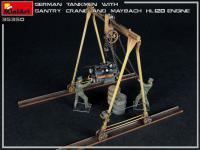 Tanquistas Alemanes con grúa de pórtico y motor Maybach HL 120 (Vista 12)