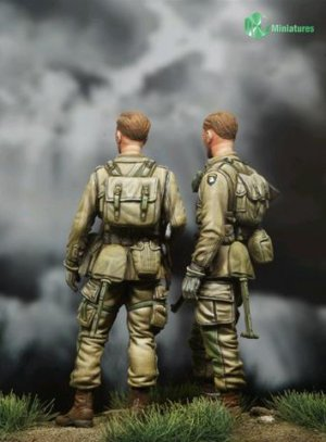 US Paratroopers set